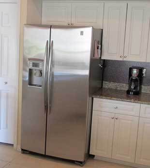 Refrigerator repair in Warner Center by Top Home Appliance Repair.